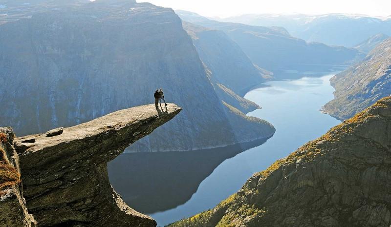 Wanderlust Tips Magazine   Keepy-uppy on the 1,200m Trolltunga in Norway