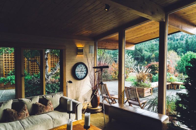 Wanderlust Tips Magazine   Home at a stranger's house