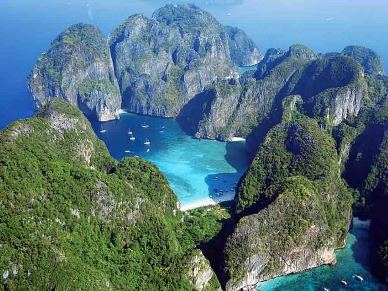 Wanderlust Tips Magazine | Ko Phi Phi: Paradise on Earth