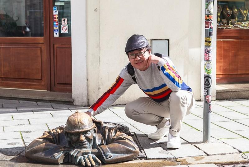 """Wanderlust Tips Magazine   Nguyen Hoang Bao's Journey on the """"Silk Road"""""""