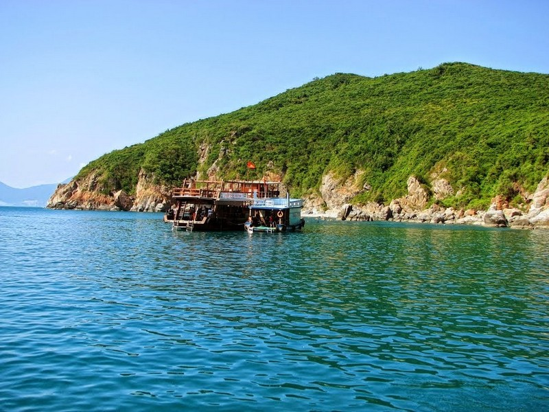 Wanderlust Tips Magazine | Nha Trang travel tips: 8 places to visit in morning