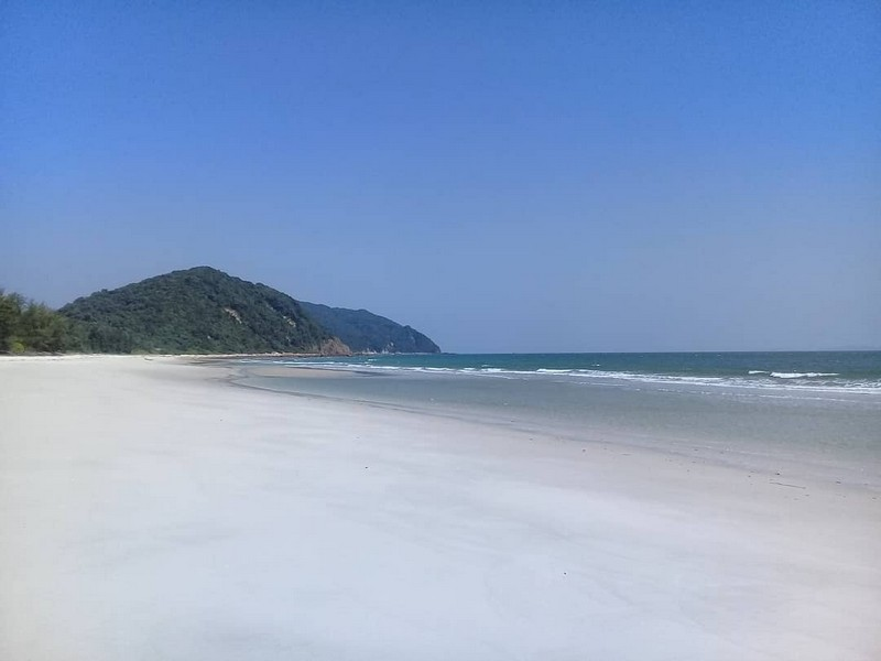 Wanderlust Tips Magazine | Quan Lan: A quiet charm in the east sea