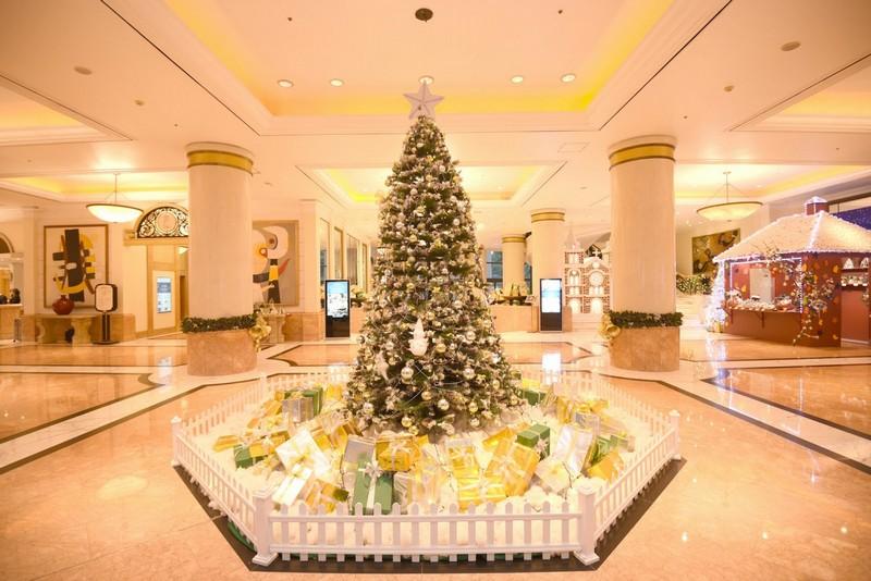 Wanderlust Tips Magazine   Vibrant Christmas at Hanoi Daewoo Hotel