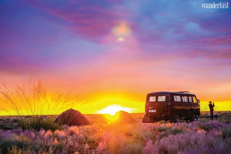 Wanderlust Tips travel magazine's March issue 2017: Summer mood