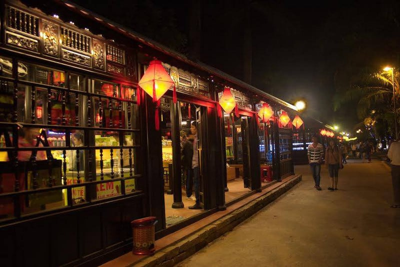 Wanderlust Tips Magazine | 8 must visit places in Hue in the evening