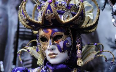 Wanderlust Tips Magazine | Behind the Venetian masks: Giving Souls to the Masks