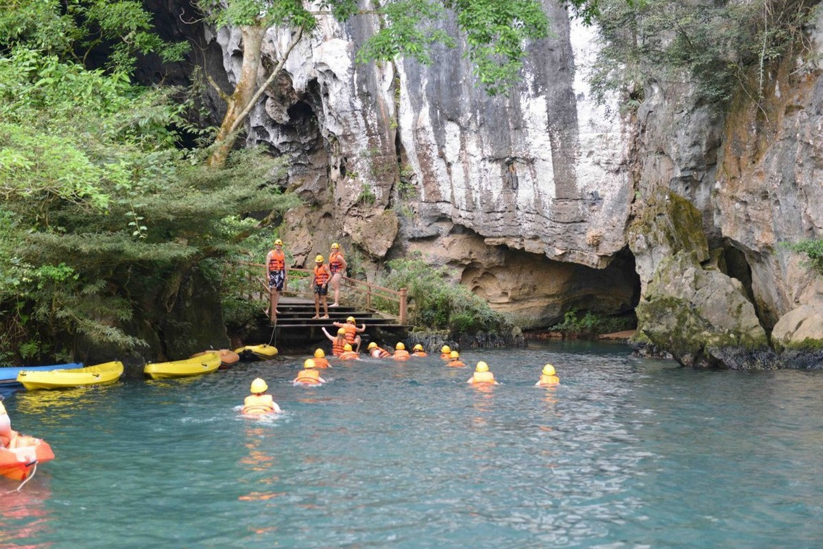 Wanderlust Tips Magazine   8 must-see places in Quang Binh in the afternoon