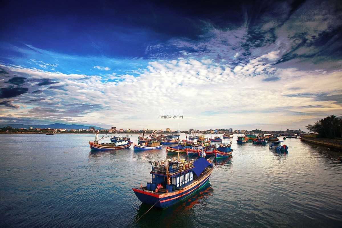 Wanderlust Tips Magazine | 8 must-see places in Quang Binh in the evening