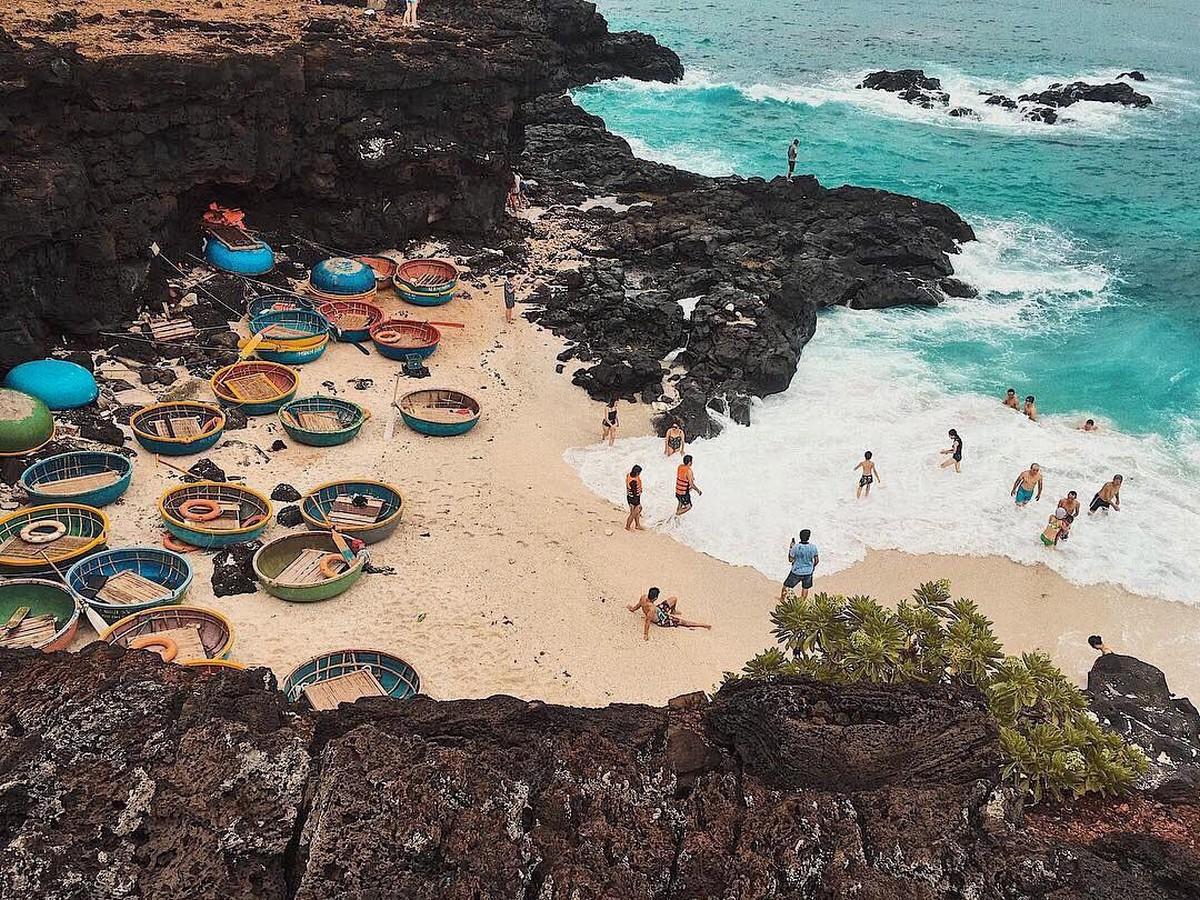 Wanderlust Tips Magazine | Ly Son: Hot volcanic island