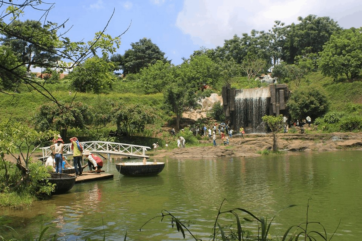 Wanderlust Tips Magazine | 8 must-see places in Dak Lak in the afternoon