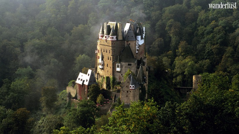 Wanderlust Tips   The 10 most horror castles around the world