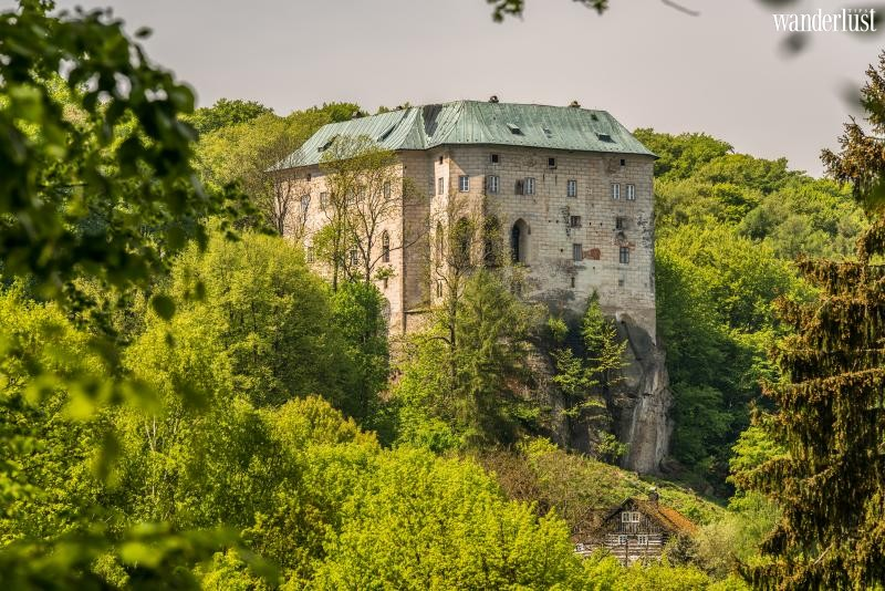 Wanderlust Tips   The 10 most haunted castles around the world