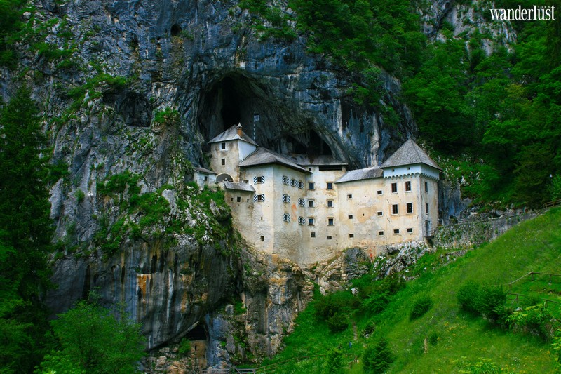 Wanderlust Tips | The 10 most haunted castles around the world