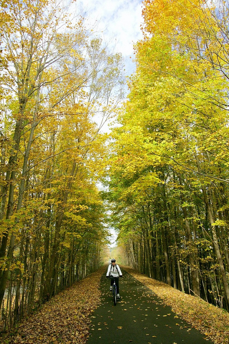 Wanderlust Tips Travel Magazine | USA's new bike trail from New York City to Canada is now open