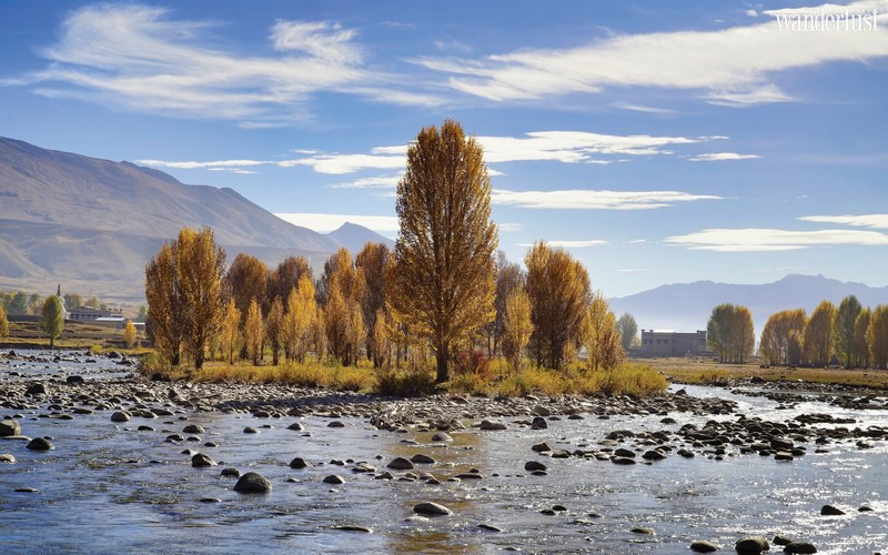 Wanderlust Tips Magazine | Looking for the last Shangri-La in Daocheng Yading, China