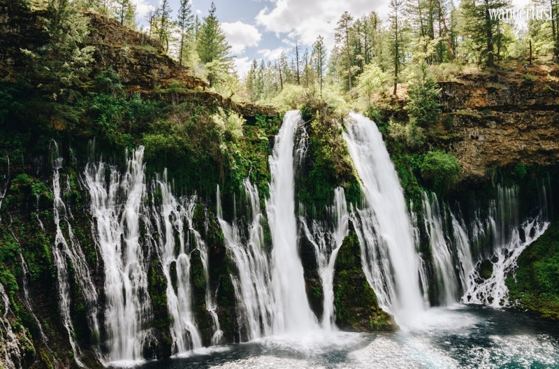 Wanderlust Tips Magazine | The best waterfalls in the USA you should visit at least once in a lifetime