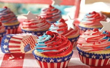 Wanderlust Tips | 8 traditional Fourth of July food